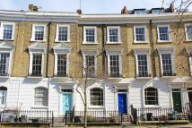 5 bedroom home in Thornhill Crescent...