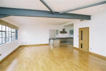 2 bedroom Flat in Shepheredess Place...