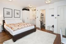 9 Botolph Alley Flat to rent