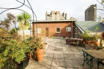2 bedroom Flat in Cathedral Lodge, Barbican