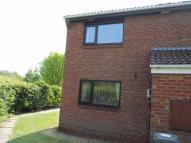 Flat to rent in Elgin Court, Perton...