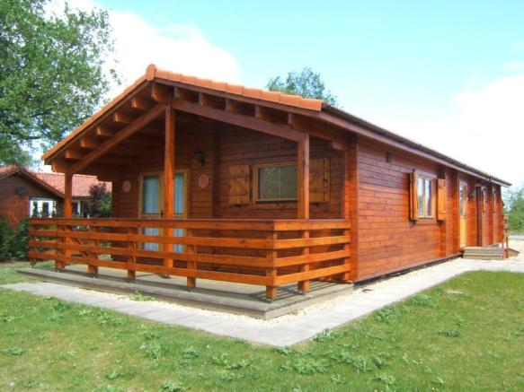 Three bedroom log cabins for sale uk joy studio design for 4 bedroom log cabin kits for sale