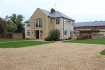 5 bed Detached property in Church Street...