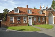 Town House for sale in Calcot Court, Calcot...