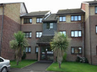 2 bedroom Ground Flat to rent in Woodrush Crescent...