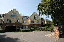2 bed Penthouse to rent in Heath Road, Locks Heath...