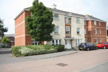 2 bed Apartment to rent in Kingswood Close...