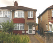 1 bed Flat to rent in Shaftesbury Avenue...