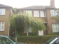 2 bed Maisonette to rent in Ashbourne Avenue...