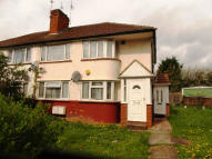 2 bed Maisonette in Wood End Lane, Northolt