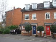 Town House to rent in Princes Road, Redhill