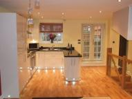 Town House to rent in Furze Close, Redhill