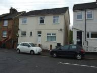 4 bed semi detached house in Victoria Road, Redhill