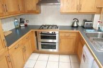 2 bedroom Apartment in Station Road, Redhill...