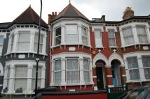 Studio apartment in Pemberton Road, London...