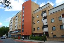 Flat to rent in Cornwall Road, London...