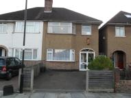 Ground Maisonette to rent in Russell Road, Enfield...