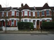 Studio flat in Belmont Avenue, London...