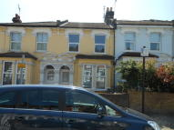 End of Terrace home to rent in Lothair Road North...