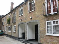 Studio flat in Chesterfield Mews...