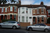 Studio apartment in Allison Road, London, N8