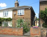 2 bedroom Ground Flat in Cambridge Road, Sandy...