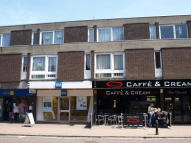 2 bed Flat to rent in High Street, Billericay...