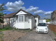 Semi-Detached Bungalow for sale in Wyncote Way, Selsdon...