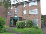 Ground Flat in Middlefields, Croydon