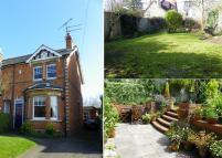 4 bedroom semi detached property for sale in Victoria Road, Wargrave...