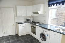Flat to rent in Fairlawn Park, Sydenham