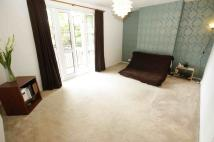 3 bed Ground Flat to rent in Wingham House...