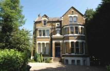 Ground Flat to rent in Westwood Hill, Sydenham