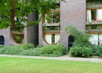 Thomas More House Apartment to rent