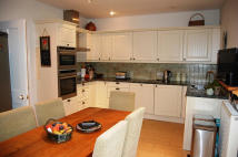3 bed Town House in Church Street...