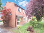 1 bed Ground Flat in 52, Hook Farm Road...