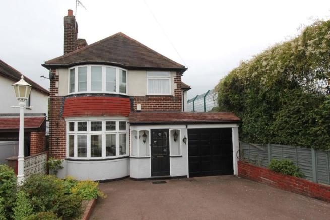 3 bedroom detached house for sale in tamworth road tamworth staffordshire b77 b77