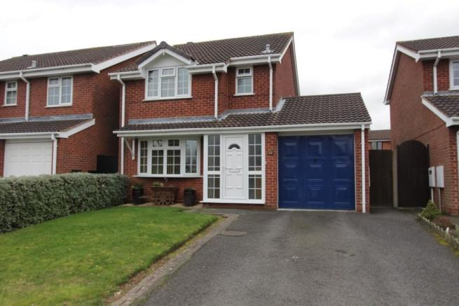 3 bedroom detached house for sale in avill tamworth staffordshire b77 b77