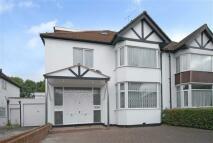 5 bed semi detached house in Dunstan Road, London...