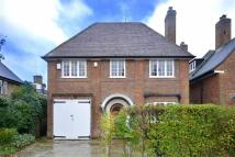 4 bed Detached home in Meadway...