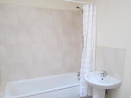 1 bed Flat in Hitchin Road, Luton, LU2