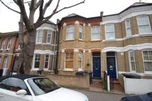Flat in Glenelg Road, London...