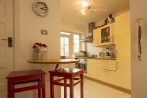 Flat to rent in Poynders Road...