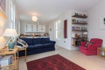 Flat to rent in Barnwell Road, Brixton...