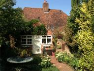 2 bedroom Cottage in Shipbourne Road...