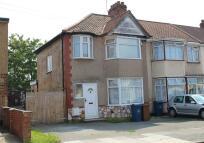 3 bedroom End of Terrace property for sale in Malvern Gardens, Kenton...