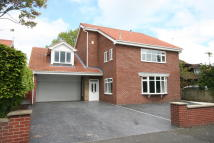 5 bed Detached house for sale in Manor Close...