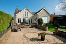 Detached house in Eythorne, Kent