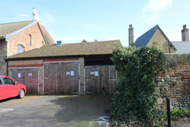 Garage & Car-Port