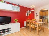 Flat in Shaftesbury Gardens, NW10